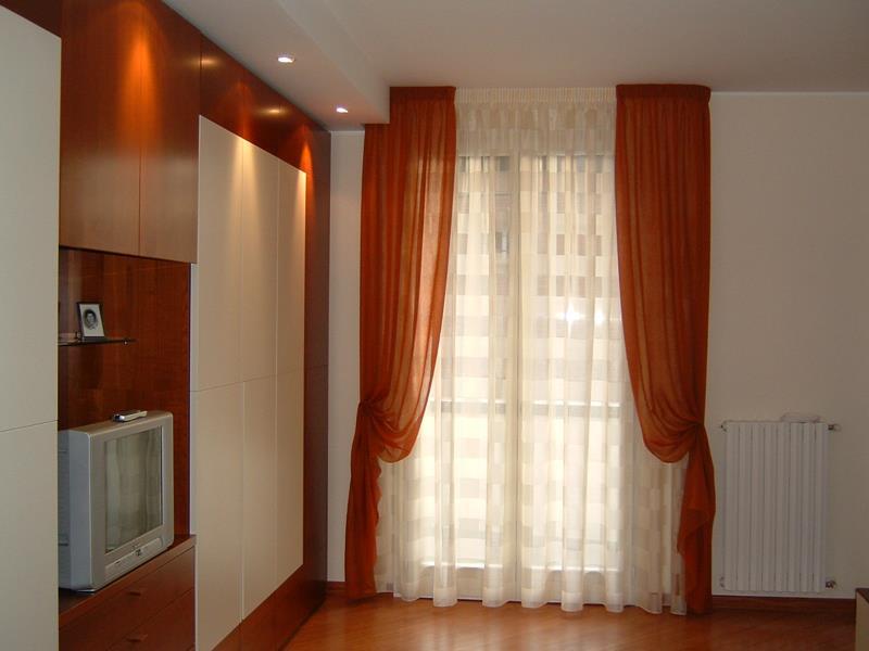 Finest tende classiche with tende arredamento moderno for Tende arredamento moderno